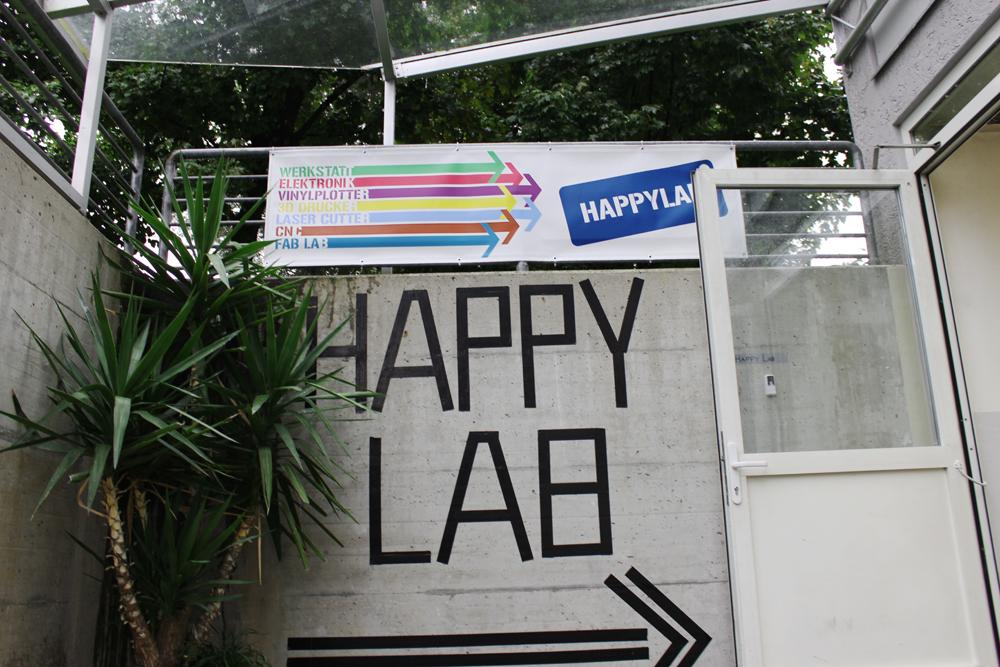 Happylab_Eingang 1000x667
