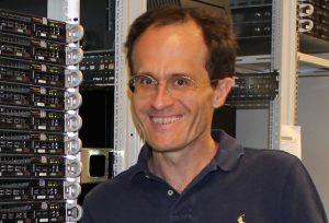 "Peter Zinterhof jun. kümmert sich neben seiner Forschung um den Betrieb des Hochleistungrechners ""Doppler"" ."