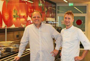 Seit 8. September im Techno-Z: Ralf Unterrainer und Erwin Brandstätter versorgen die Menschen am Standort kulinarisch.