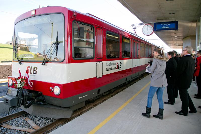 Die Salzburger Lokalbahn verbindet den nördlichen Flachgau mit dem Stadtzentrum Salzburg.