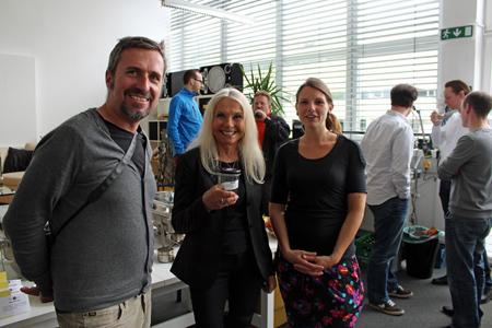 v.l. Gerd Roider und Katrin Gerschpacher mit Gabriella Schranz, Kundenbetreuerin Techno-Z, in der Mitte.