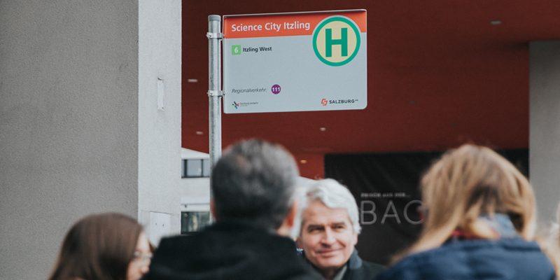 Bushaltestelle Scicence City Itzling Techno-Z