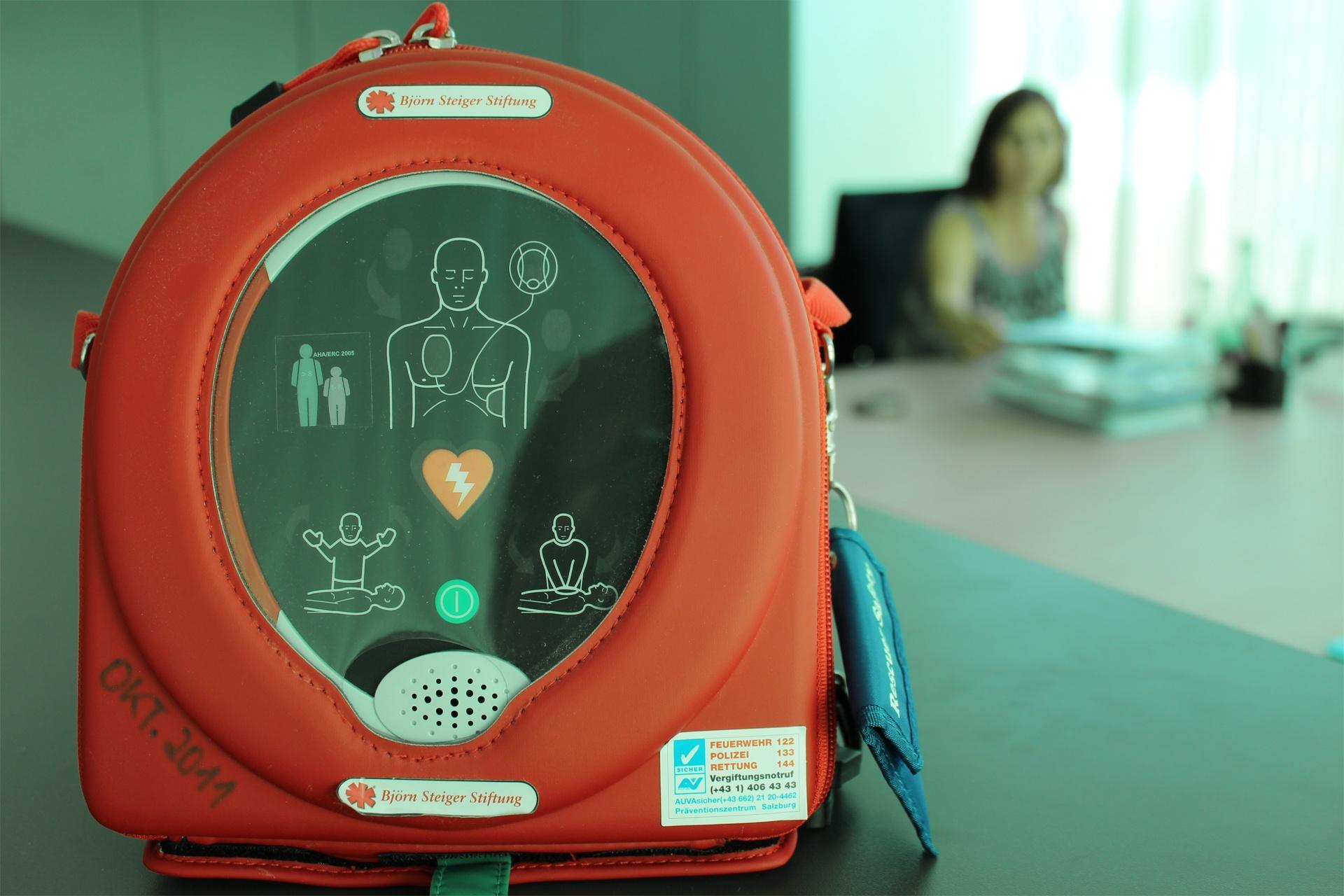 Defibrillator Techno-Z