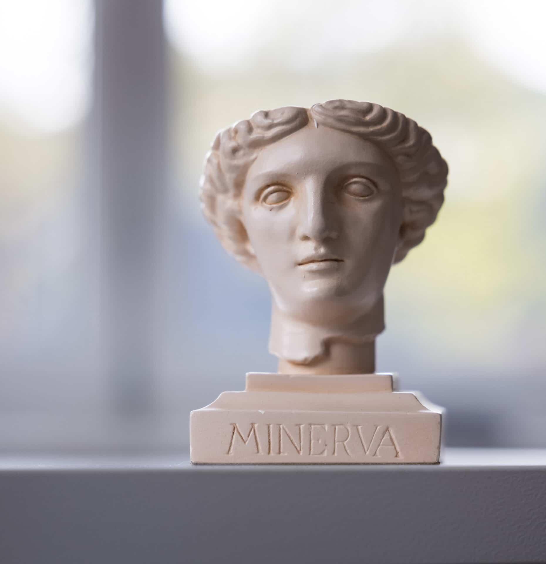 Büste der Göttin Minerva